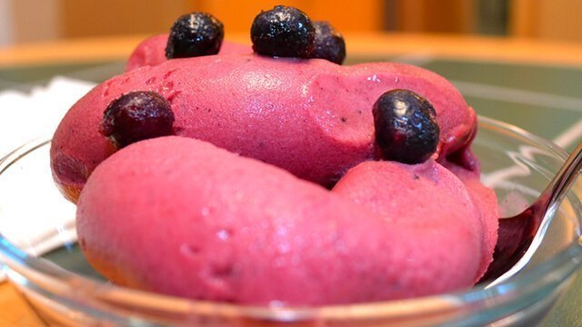 Recipe for Fruit Dream Raw 'Ice Cream' from Brian Rossiter