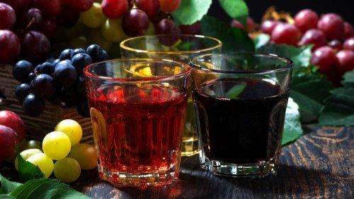 Raw Vegan Recipes - Grape-Celery Cooler - juice glasses - Fruit-Powered