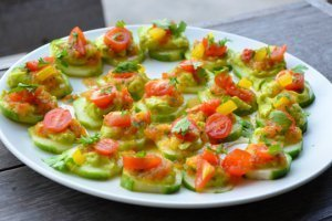 Cucumber-chip nachos with avocado and salsa