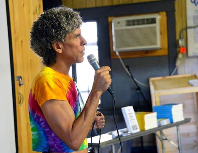 Don Bennett lectures at The Woodstock Fruit Festival
