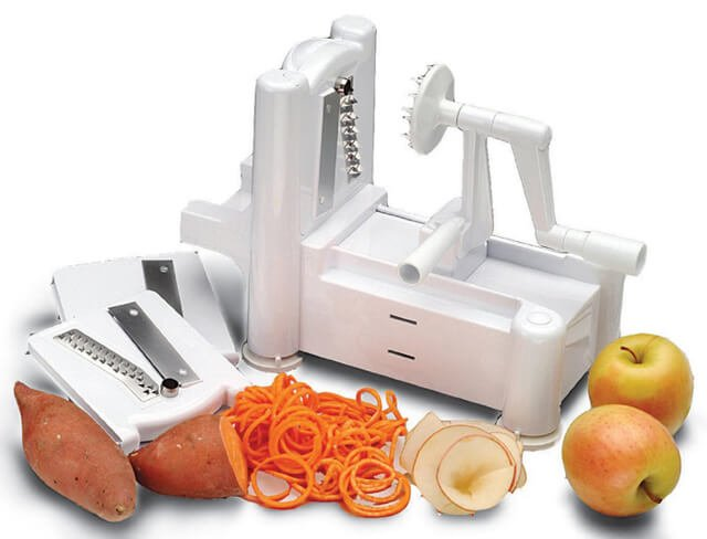 A Paderno spiral slicer for making raw food spaghetti