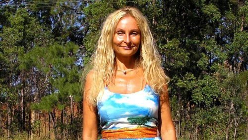 Raw Vegan Transformations - Anne Osborne wearing dress in a field - Fruit-Powered