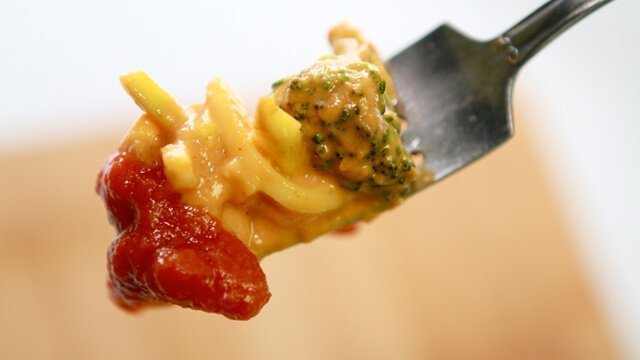Low Fat Raw Vegan Mac n Cheeze with Raw Ketchup