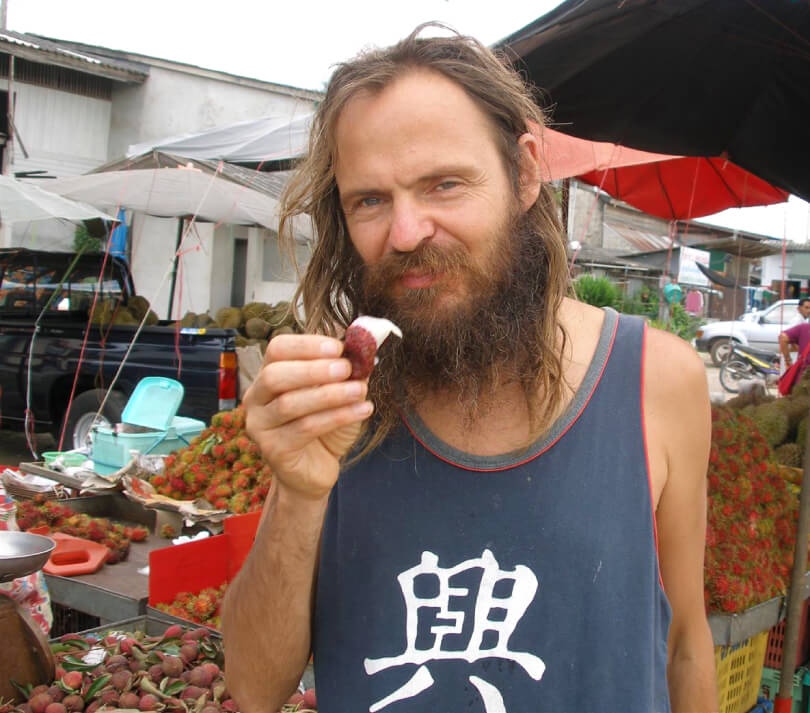 Mango Wodzak eating rambutan - Fruit-Powered