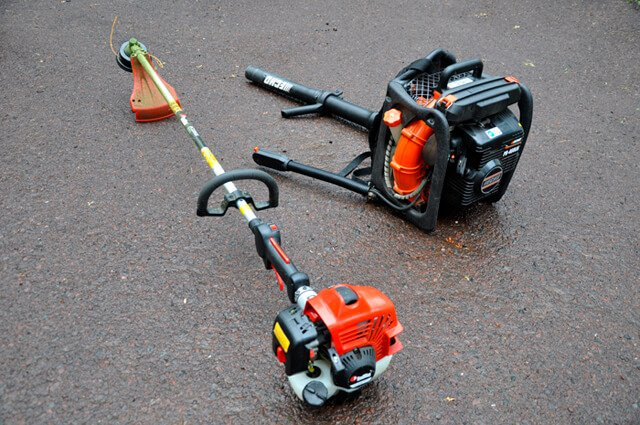 Redmax BCZ260S lawn trimmer