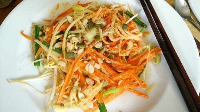 Recipe for Raw Pad Thai from Mewsum Wong