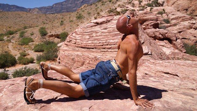 Jeff Sekerak doing Hindu push-ups