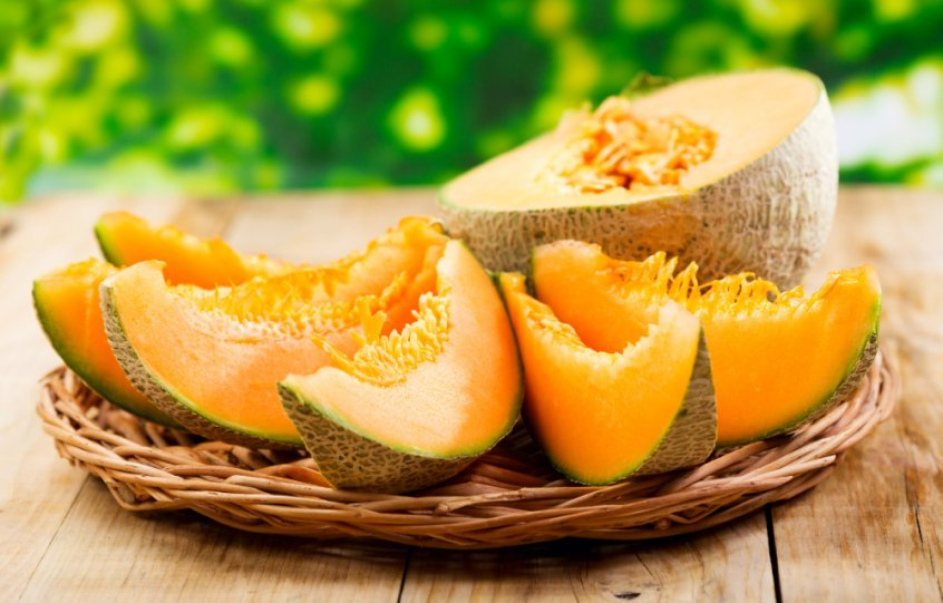 Cantaloupe sliced into pieces - Fruit-Powered
