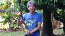 Don Bennett holds Namwah bananas