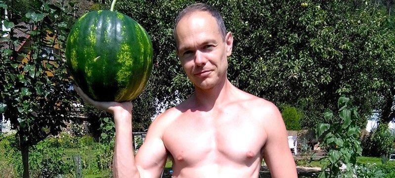 Petr Cech hoists a watermelon