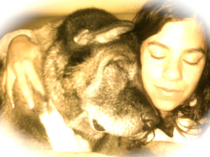 Michelle Jolene embraces dog Kaya - everlasting love - afterlife message