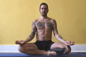 TJ Long meditating - Raw Vegan Transformations - Fruit-Powered
