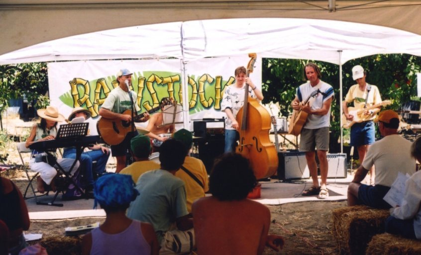 Modern-day raw food movement history - Rawstock - Raw Passion Band performs - Fruit-Powered