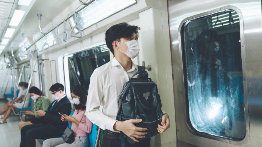 Coronavirus mask - people travel by train - Fruit-Powered