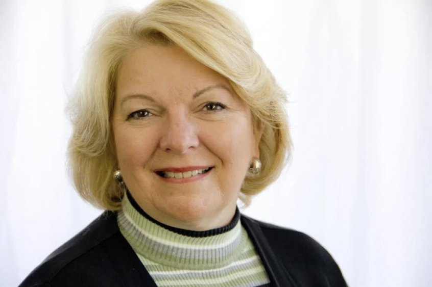 Dr. Sherri Tenpenny portrait - Fruit-Powered