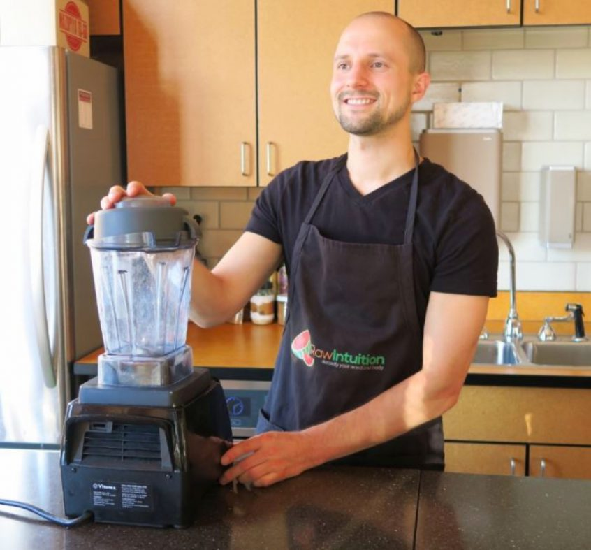 Matt Bennett teaching raw vegan diet - Fruit-Powered
